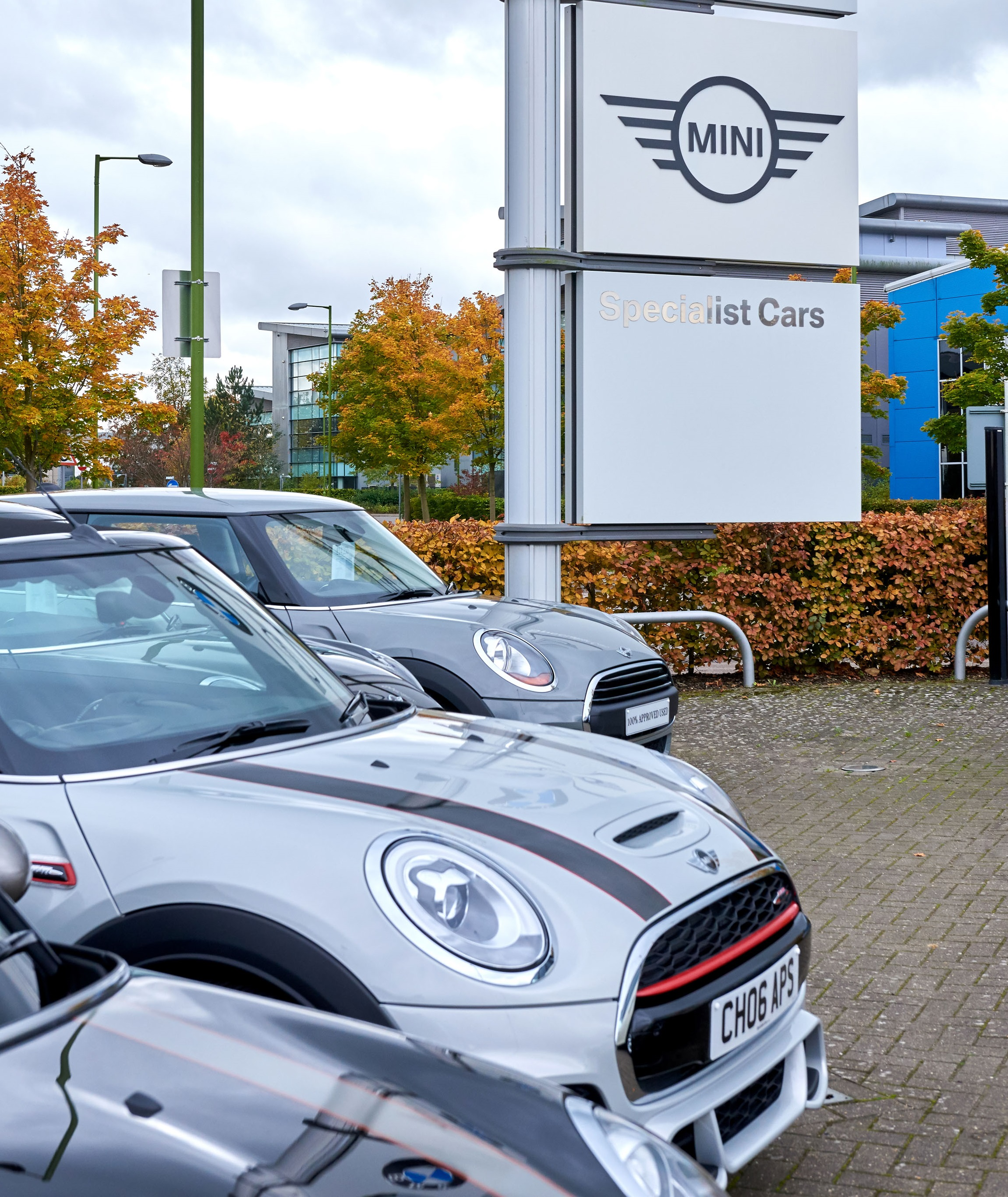 Specialist Cars Luton Opening Times